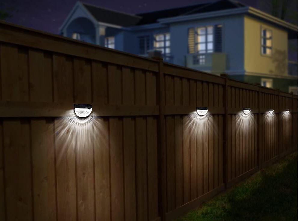 Đèn hàng rào năng lượng mặt trời