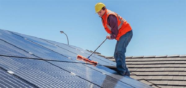 Thời gian bao lâu để làm sạch tấm Pin năng lượng mặt trời?